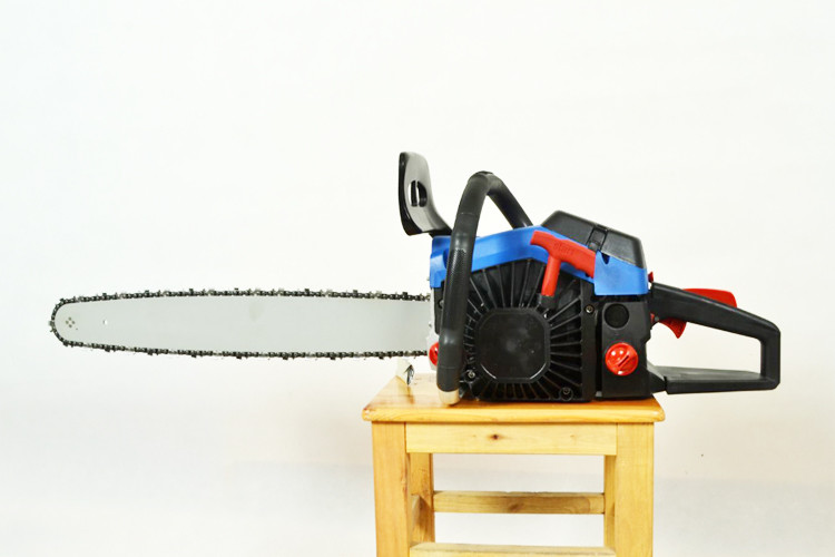 Hedge Trimmer Gas Powered Chain Saw With Compact Structure 0.65kw/8000rpm